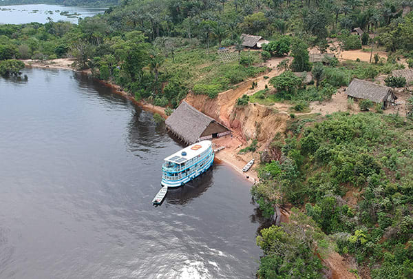 Acqua 5-Day Golden Waterfall Cruise Itinerary Day One - Floating Beach Restaurant.