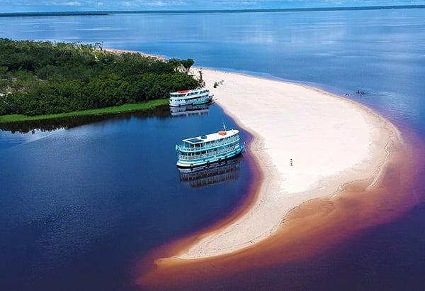 Acqua 7-Day Cruise Itinerary Day Four -  Jaú National Park.