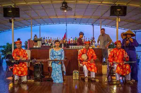 Mekong Pandaw's 8-Day Classic Mekong: Saigon - Siem Riep Day Seven - Traditional Music