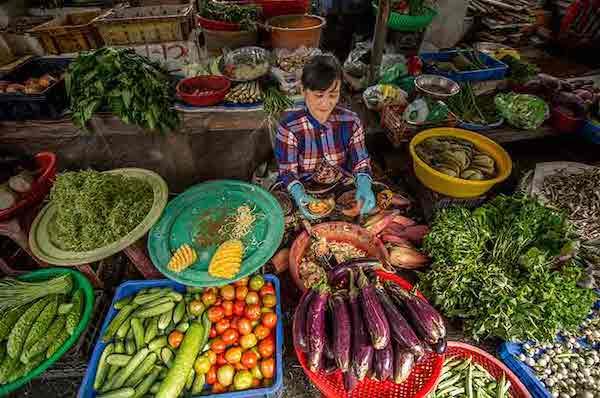 Mekong Pandaw's 8-Day Classic Mekong: Siem Reap - Siem Saigon Day Six - Local Market in Mekong Delta