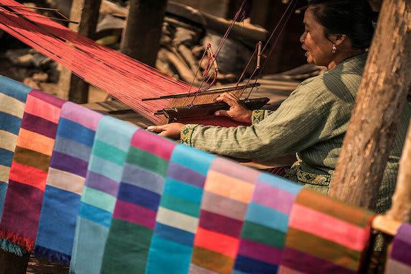 Gypsy's 3-Day Chiang Saen to Luang Prabang Day Three - Traditional Weaving