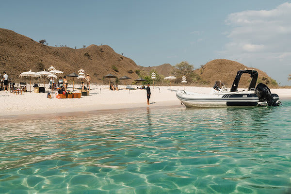 Aqua Blu's 8-Day Komodo to Bali Day Seven - Pink Beach