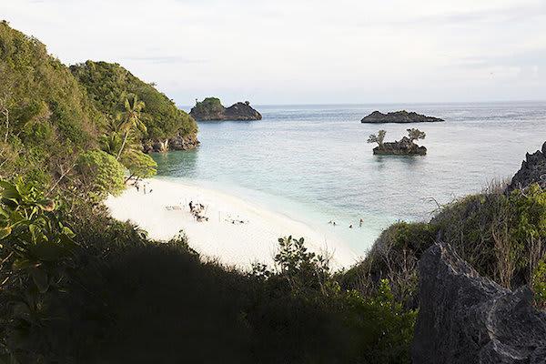 Aqua Blu's 13-Day Raja Ampat to Spice Island - Day Twelve - Pristine Beach