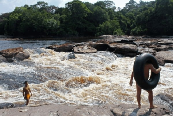 Jacaré-Tinga's 4-Day Anavilhanas Park Rio Negro Cruise Day Two - Natural Pools.