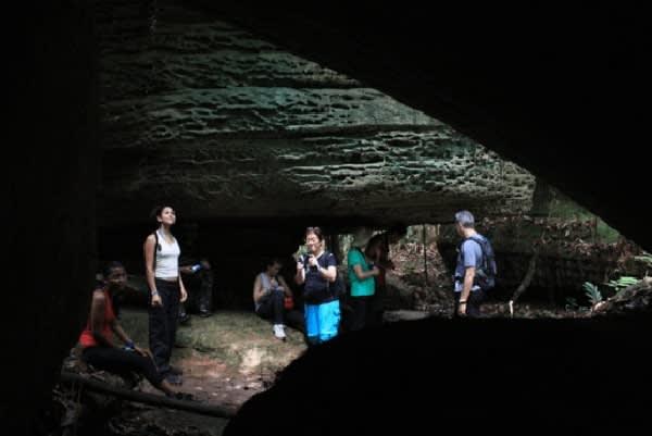 Jacaré-Tinga's 5-Day Jau National Park Cruise Day Two -  Madada Caves.