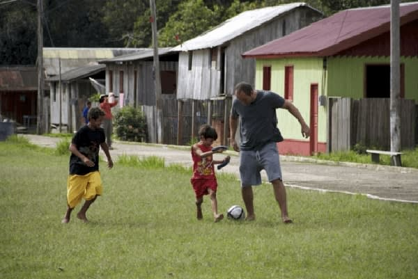 Jacaré-Tinga's 9-Day Upper Negro River Cruise Day Three - Playing Football with Villagers.