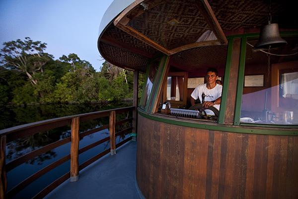 Jacaré Açu's 4-Day Apuaú Wild Rio Negro Cruise Day Two - Disembarkation.