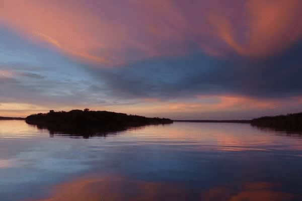 Jacaré Acu's 4-Day Anavilhanas Park Rio Negro Cruise Day One - Sunset.