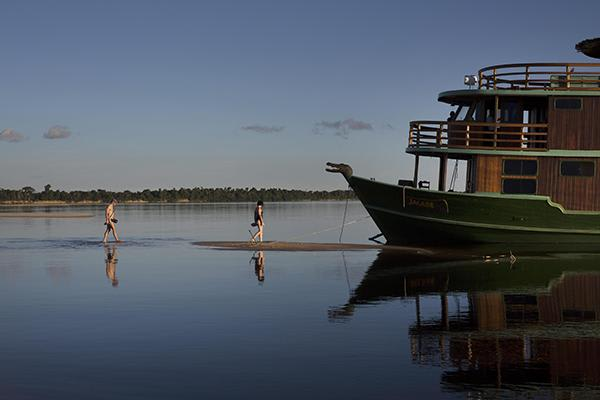 Jacaré Acu's 6-Day Jau National Park Cruise Day Two - Stand Up Paddle Boarding.