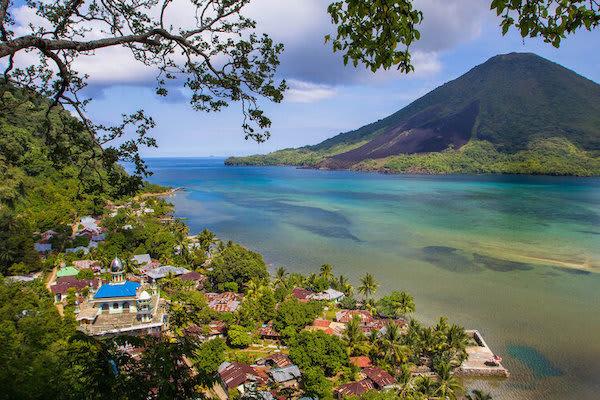 Ombak Putih's 8-Day Bali to Komodo - Day Two - Small Town