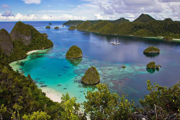 Ombak Putih's Jewels of Raja Ampat - Day Three - Forgotten Islands