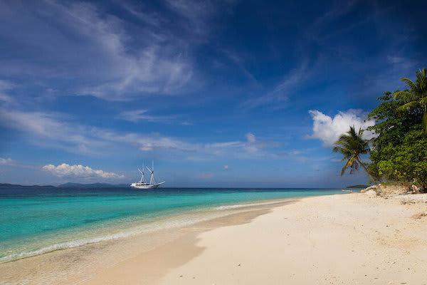 Ombak Putih's Jewels of Raja Ampat - Day Four - Quiet Beach