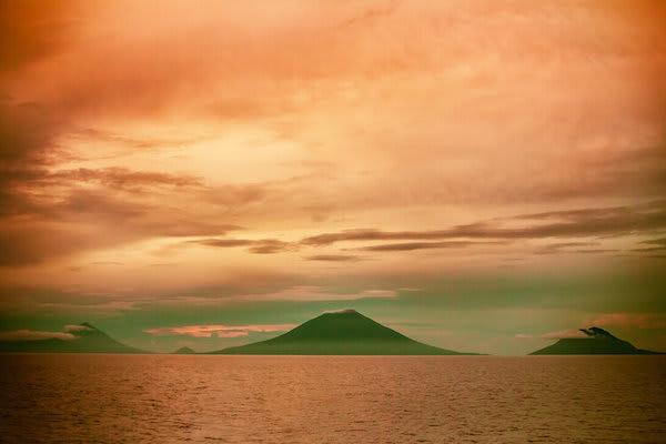 Ombak Putih's Sorong to Kaimana - Day Ten - Sunset on Forgotten Islands