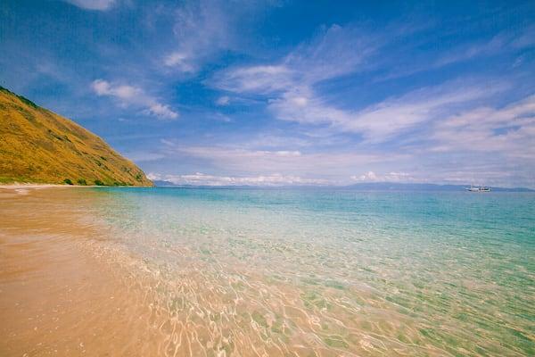 Ombak Putih's Komodo to Bali - Day Two - Banta Island