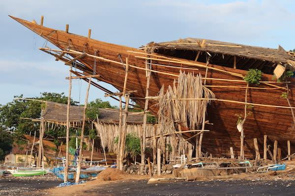 Ombak Putih's Komodo to Bali - Day Three - Boat Builder Sumbawa