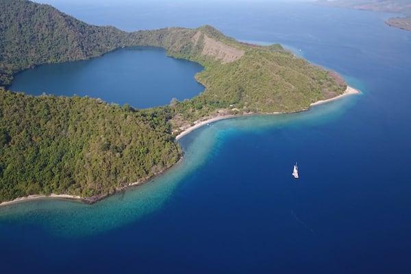 Ombak Putih's Komodo to Bali - Day Seven - Satonda Island