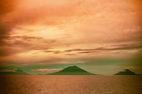 Katharina's Komodo to Bali - Day Seven - Volcano Sunrise Maluku
