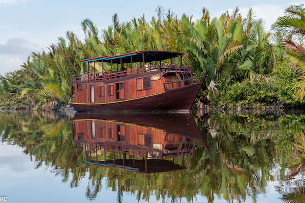 Kumai's 4-Day Tanjung Puting & Camp Leakey - Day One - Boat Side View
