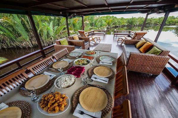 Kumai's 4-Day Tanjung Puting & Camp Leakey - Day Three - Lunch On Board