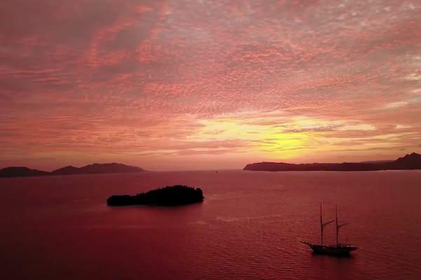 Lamima's 8-Day Raja Ampat - Day One - Sunrise Sailing
