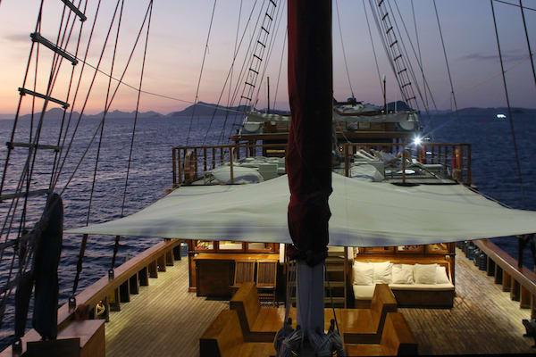 Tiare's 10-Day Komodo Islands - Day Eight - Evening On Board