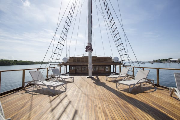 Tiare's 12-Day Ring Of Fire - Day Two - Sundeck