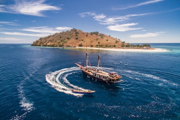 Carpe Diem's 8-Day Komodo Islands - Day Two - Tender