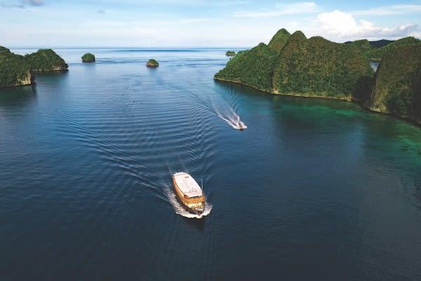 Rascal's 8-Day Raja Ampat - Day One - Sailing in Raja Ampat