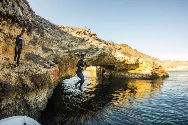 Fenides's 9-Day Komodo & West Komodo - Day Three - Rock Wall Jump