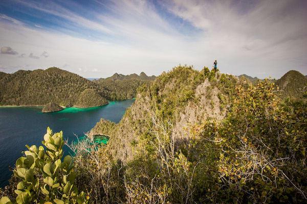 Fenides' 11-Day Raja Ampat - Day One - Hiking
