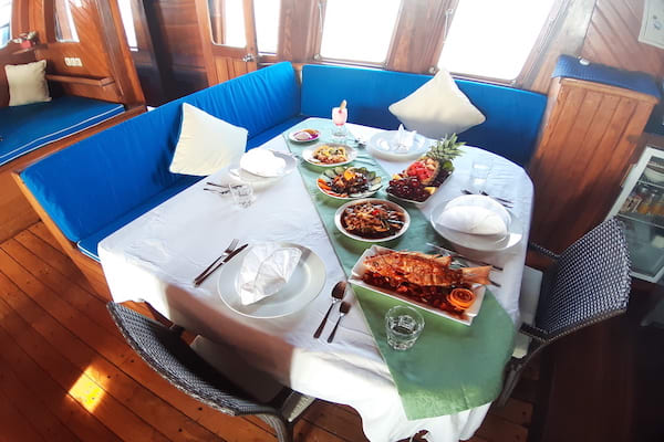 Lady Denok's 8-Day Komodo Cruise - Day Seven - Lunch On Board