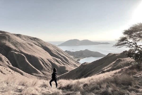 Splendour's 6-Day Komodo Cruise - Day One - Sunrise Hike