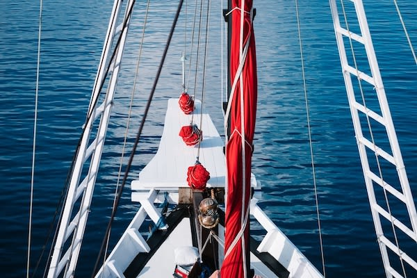 La Galigo's 9-Day Raja Ampat South - Day One - Boat Details