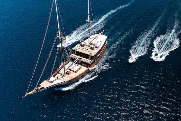 Dunia Baru's 7-Day Raja Ampat - Day Three - Sailing