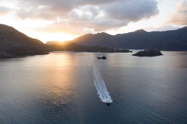 Dunia Baru's 11-Day Raja Ampat, West Papua & Papua - Day Six - Sunrise Excursion