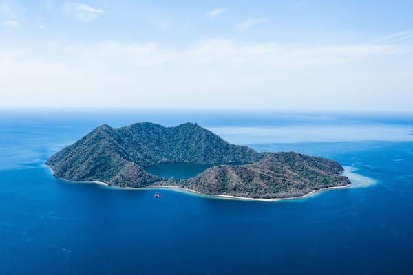 Dunia Baru's 13-Day Flores, Forgotten Islands & Maluku - Day Three - Forgotten Islands