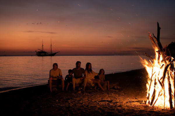 Dunia Baru's 13-Day Flores, Forgotten Islands & Maluku - Day Four - Bonfire On The Beach