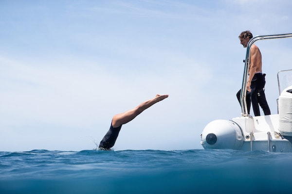 Dunia Baru's 13-Day Flores, Forgotten Islands & Maluku - Day Seven - Guests Jumping Off for Freedive