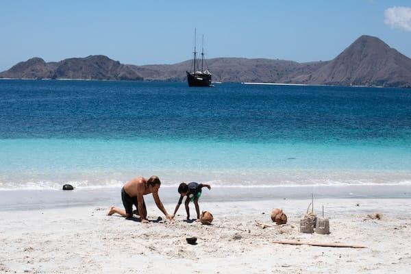 Dunia Baru's 13-Day Flores, Forgotten Islands & Maluku - Day Eight - Having Fun on White Sand Beach