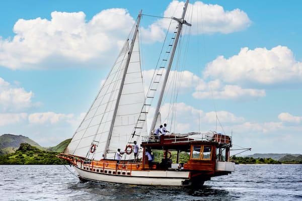 Ikan Terbang's 5-Day Komodo - Day One - Sailing