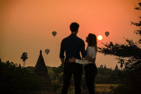 Sanctuary Ananda's 8-Day Mandalay - Day Four - Watching Hot-air Balloon at Sunrise