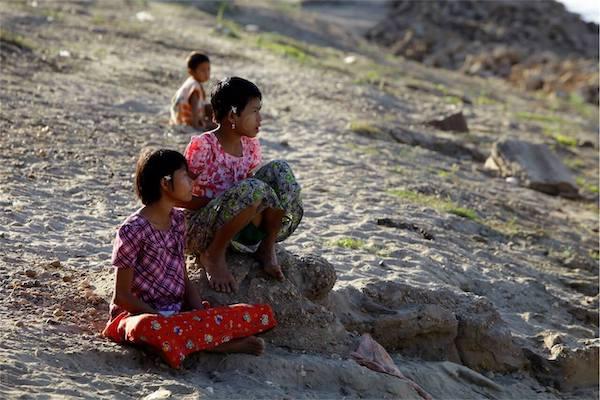 Irrawaddy Explorer's 10-Day Treasure of Golden Myanmar Downriver - Day Ten - Local Myanmar Children