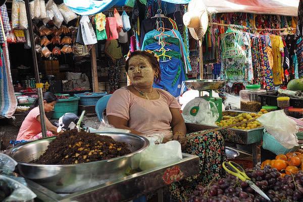 Pandaw II's 8-Day Mandalay to Bagan - Day Two - Local Market