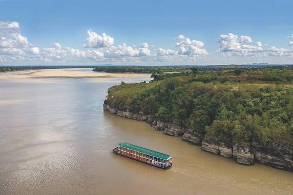 Zawgyi Pandaw's Chindwin: Monywa to Homalin - Day One - Cruising Along Chindwin River