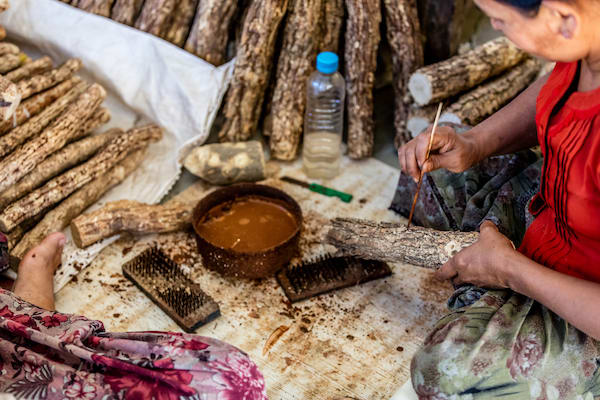 Kha Byoo Pandaw's Upper Irrawaddy: Mandalay to Bagan - Day Four - Local Shops