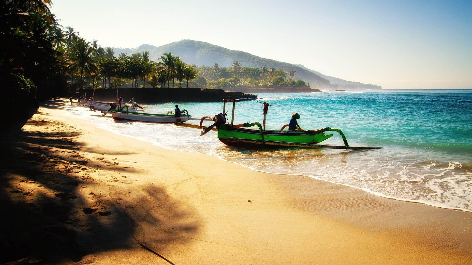 Lady Denok's 8-Day Komodo Cruise - Day One - Bali