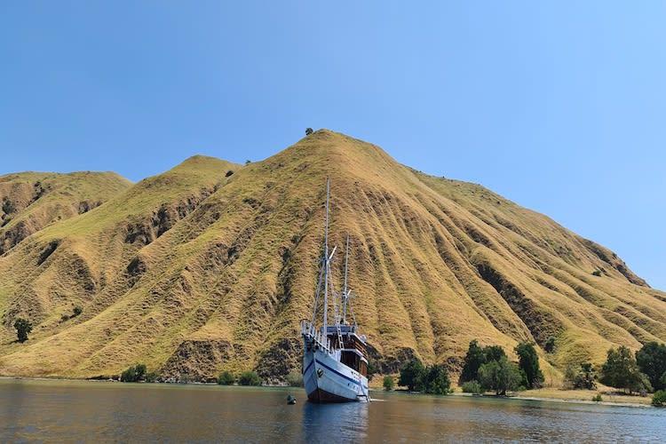 Lady Denok's 8-Day Komodo Cruise - Day Four - Gili Lawa Darat