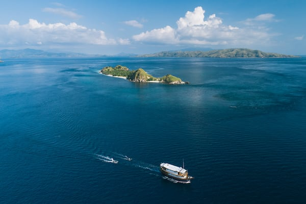 Rascal's 7-Day Ring Of Fire Crossing Bali to Komodo - Day 3 - Sailing in Komodo National Park