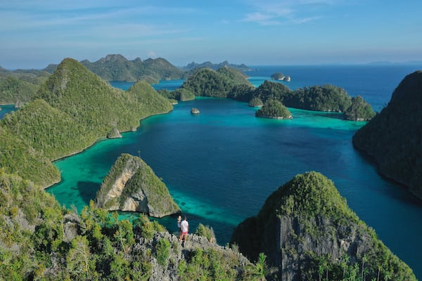 Rascal's 7-Day Ring Of Fire Crossing Bali to Komodo - Day 6 - Hiking in Komodo National Park