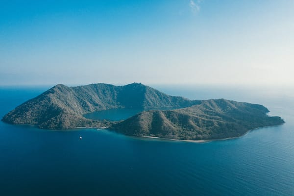 Rascal's 7-Day Ring Of Fire Crossing Bali to Komodo - Day 7 - Satonda Volcanic Crater